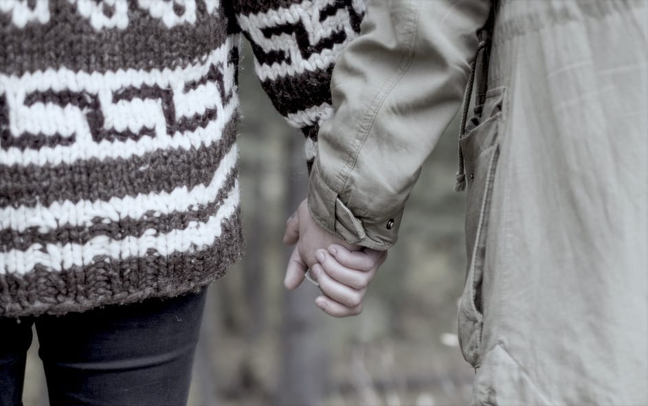 Couple holding hands_Death that broke his heart_Coluccio Law